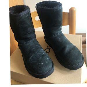 Classic black short ugg boots